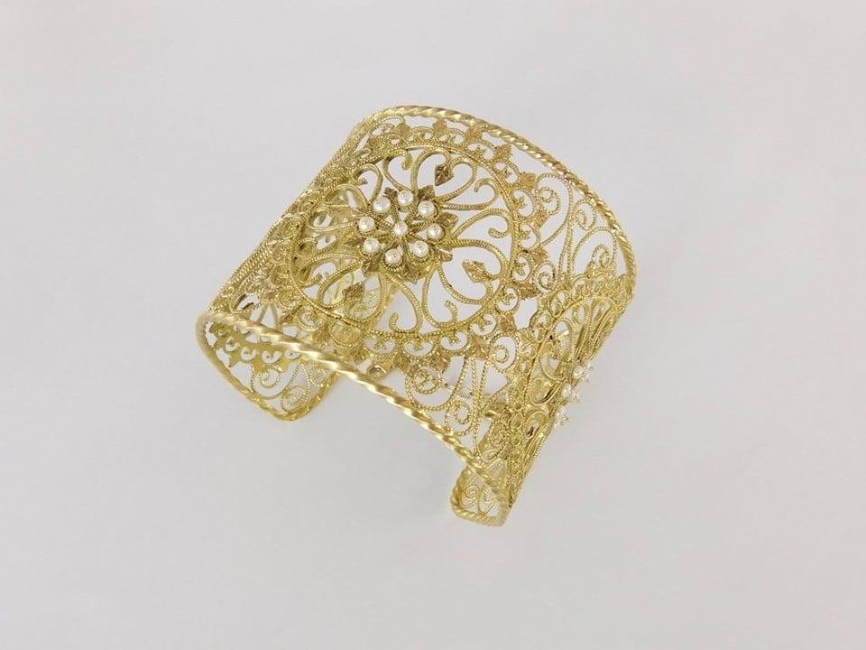 bracciale in oro con perle
